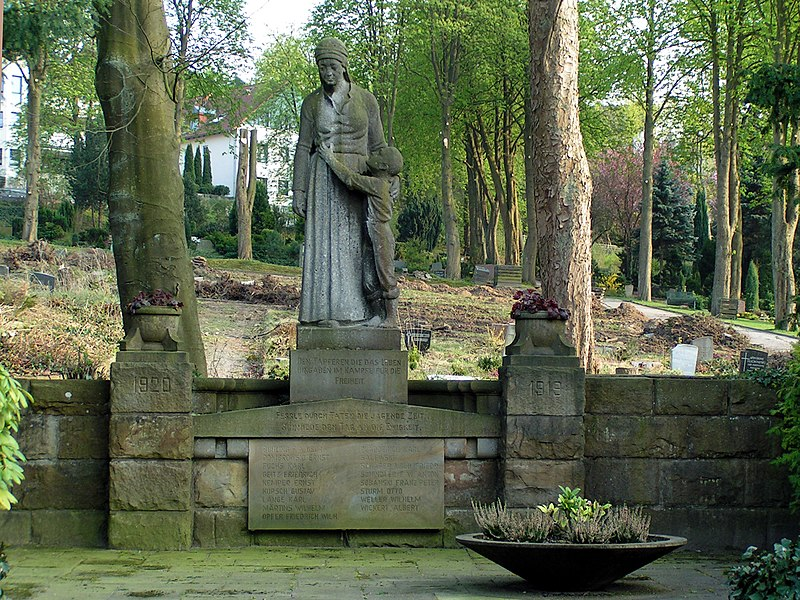 Hagen Rembergfriedhof Märzgefallene.JPG