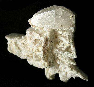 Hambergite-rare-09-15a.jpg