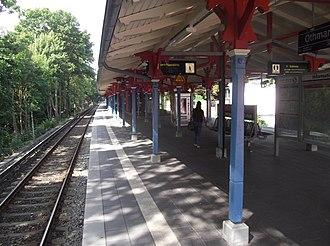 Othmarschen station - Image: Hamburg S Bahn Othmarschen DS519n