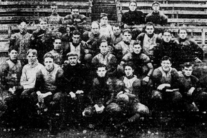 1900 Harvard Crimson football team - Image: Harvard football team 1900