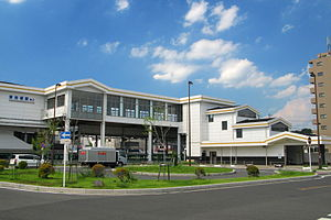 Higashi-Iwatsuki Station South Entrance 20120807.JPG