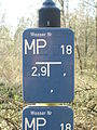 Hinweisschild-Messpunkt April-2009 SL270582.JPG