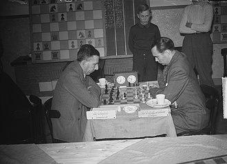 Harry Golombek - Hoogovens 1949: Golombek vs. Alberic O'Kelly de Galway