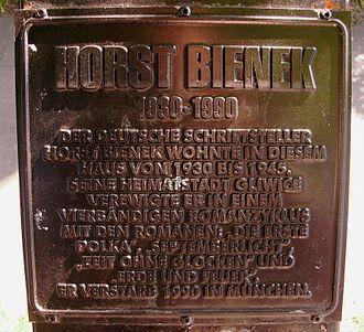 Horst Bienek - Plaque on the house in which Horst Bienek was born (in German)