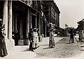 Huldigung der Katholischen Frauenorganisation für Niederösterreich vor Kaiser Karl I. und Kaiserin Zita in Schönbrunn am 17. Juni 1917 (BildID 15565948).jpg