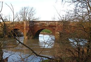 River Leam - Hunningham bridge crosses the River Leam