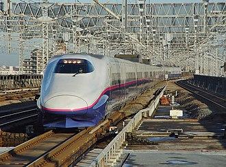 Yamabiko - An E2 series trainset on a Yamabiko service in December 2003
