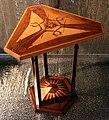 Jan kotera, mobili da interno per ferdinand tonder LLD, praga, 1902, tavolino piccolo.jpg