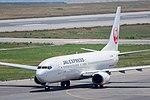 Japan Airlines, B737-800, JA332J (18250814980).jpg