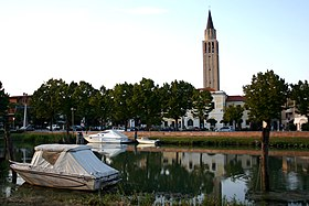 Jesolo River reflection II.jpg