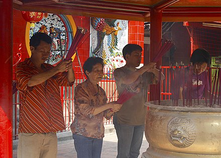 The Chinese in Jakarta praying during Chinese New Year in Glodok, Jakarta Jin De Yuan, Chinese Indonesian.jpg
