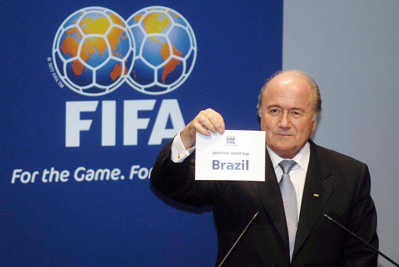 Joseph Blatter annuncia la scelta del paese ospitante