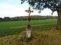 Kříž u odbočky na Březinu (Q104984930).jpg