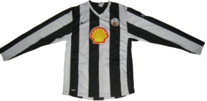 Knattspyrnufélag Reykjavíkur -  KR's home shirt from 2007–09, manufactured by Nike and sponsored by Shell Oil.