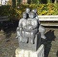 Kaag leimuiden kunstwerk vier zittende kinderen.jpg