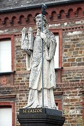 Karden, Castorbrunnen - Statue (2020-02-07 Sp).JPG