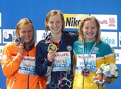Kazan 2015 - Victory Ceremony 400m freestyle W (cropped).JPG