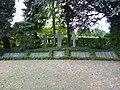 Kriegerdenkmal Bad Holzhausen.jpg
