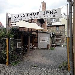 Blick auf den Kunsthof Jena von der Zwätzengasse aus.