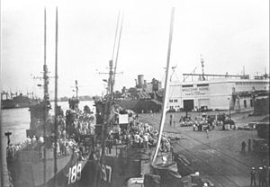 USS LSM(R)-189 - Image: LS Mr 198