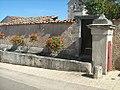 La fontaine abreuvoir de Frémeréville-sous-les-Côtes.jpg