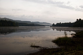 Lac Ernest à l'aurore.jpg
