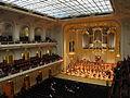 Laeiszhalle Hamburg, Großer Saal -- Innenansicht Bühne.JPG