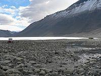 Lake Vanda with Onyx River.jpg