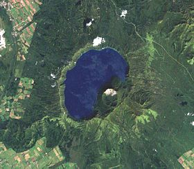 Image satellite du lac.