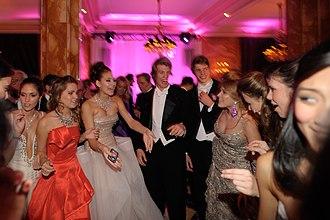 Bal des débutantes - Debs dance and talk at the 2009 Ball at the Hôtel de Crillon.