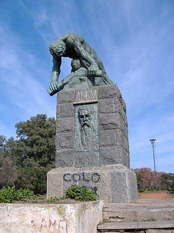 Leandro Alem estatua 2