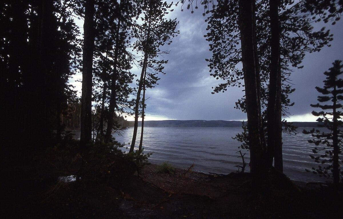 Lewis Lake