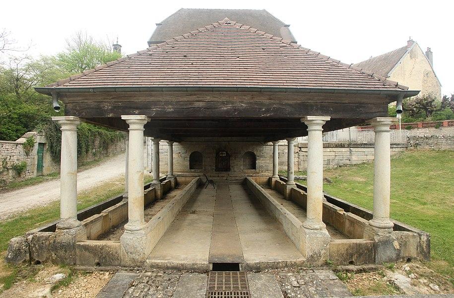 Lavoir à Liesle (Doubs).