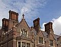Lincolns inn chimneys 3 (4876600300).jpg