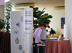 LinuxExpo 2010, stánek WMČR.jpg