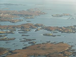 Skerry - Islets and skerries in Loch Uisgebhagh, east of Benbecula, Outer Hebrides