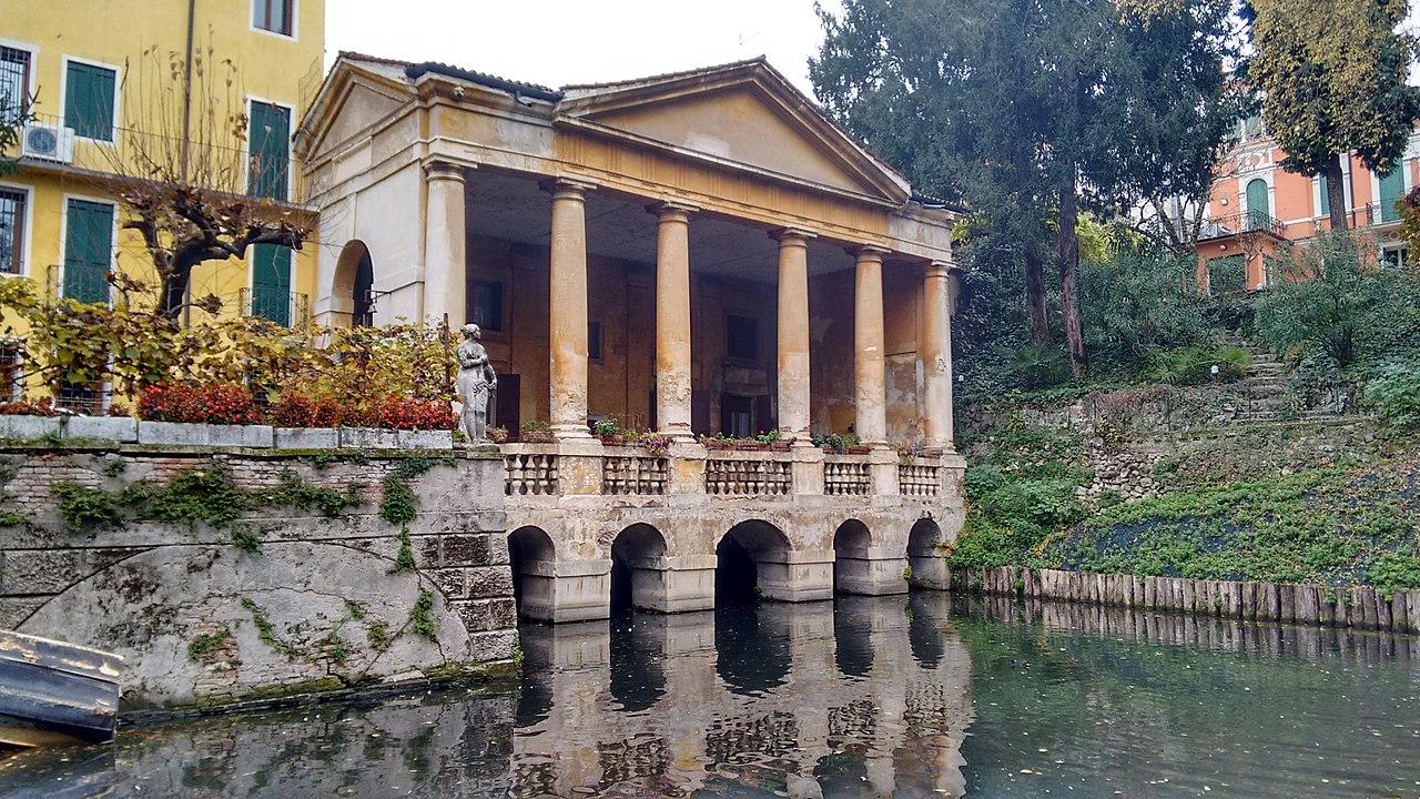 Loggia Valmarana, Salvi Garden Vicenza.jpg