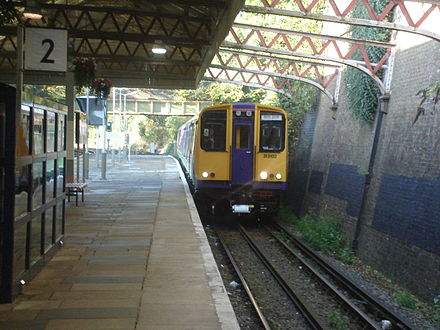 Watford High Street was served by Silverlink trains 1997-2007 London Overground train for Watford Junction at Watford High Street Station.jpg