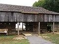 Long Cantilever Barn P9080666.jpg