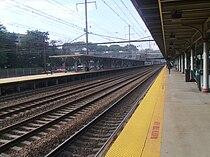 Looking southward along Track 4 towards the center of Trenton Transit Center.jpg