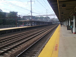 Northeast Corridor Line - Looking southward at the Trenton Transit Center from Track 4