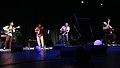 Los Sinverguenzas en concierto 2015.jpg