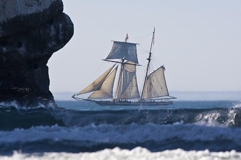 Lynx schooner in Morro Bay.jpg