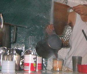 Hong Kong-style milk tea - Image: Making Hong Kong Style Milk Tea