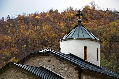 Manastir Vaznesenje, jesen 06.jpg