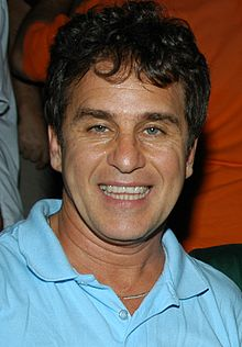 http://upload.wikimedia.org/wikipedia/commons/thumb/b/bd/MarcosFrota.jpg/220px-MarcosFrota.jpg