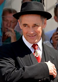 A photograph of Mark Rylance smiling at the 2016 Cannes Film Festivial