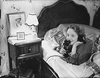 Erich Salomon - Image: Marlene Dietrich 1930