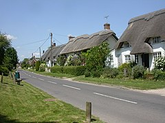 Martin, thatched cottages - geograph.org.uk - 1329946.jpg
