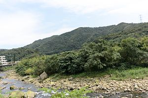 Masu Creek at Zhongfu Village, Wanli District, New Taipei 20170324.jpg